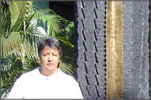 Profile picture of Ajijic artist and Sculptor Estela Hidalgo.