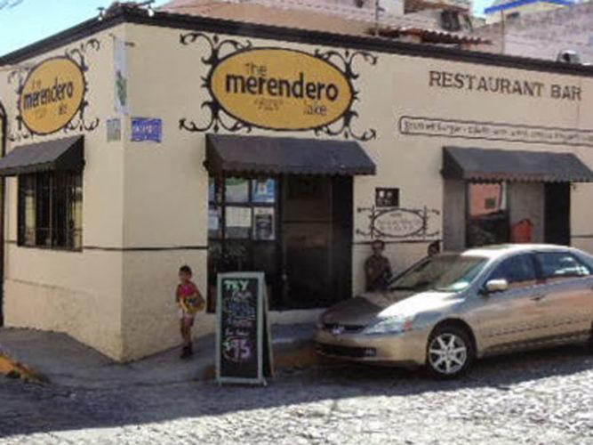 Sandwich board outside Merendero Lake Burger restaurant in Ajijic.