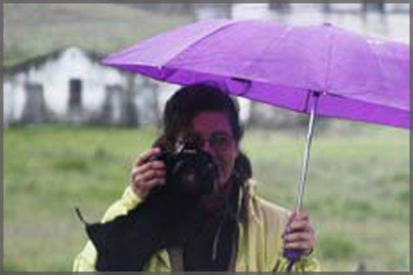Profile picture of Ajijic artist photographer Jill Fessenden.