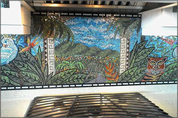Mosaic backsplash of a jungle scene by artist Federico Ramos of Ajijic, Mexico.